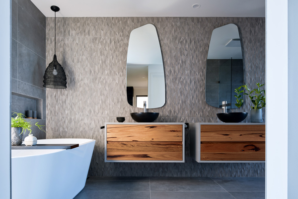 bathroom-carnivale