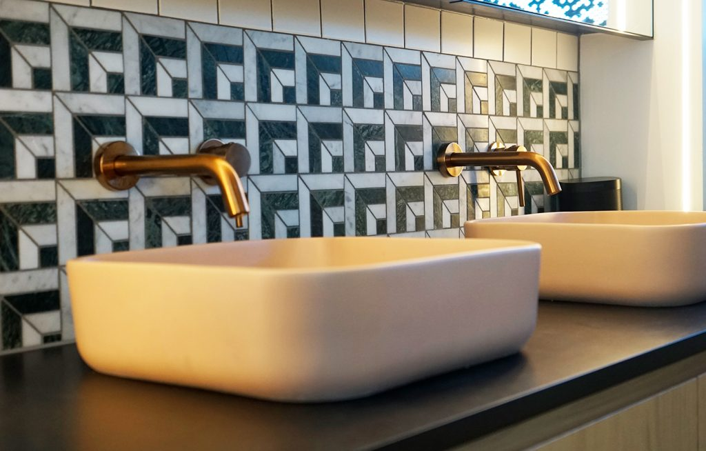common bathroom renovation mistakes